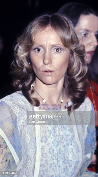Lola Redford attends the screening of All The President's Men on April 4 1976 at the Kennedy Center in New York City