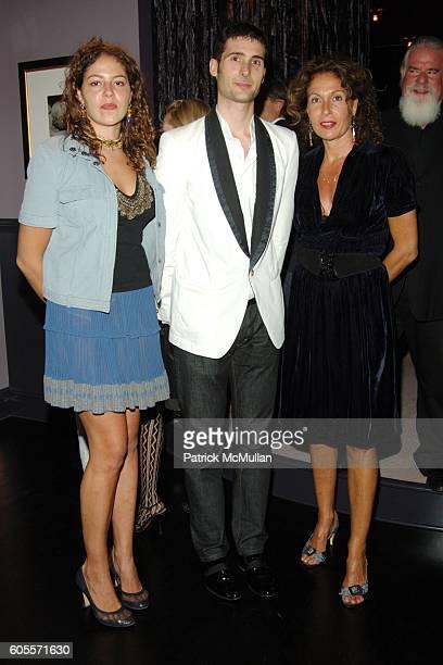 Lola Schnabel Andrew Pollard Jacqueline Schnabel and Jeff Ayeroff attend Kiki De Montparnasse Private Dinner at Kiki De Montparnasse on May 22 2006...
