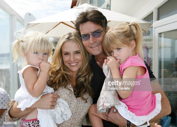 MALIBU CA AUGUST 25 Lola Sheen Actress Brooke Mueller Actor Charlie Sheen and daughter Sam Sheen attend the French Connection's Kids connection to...
