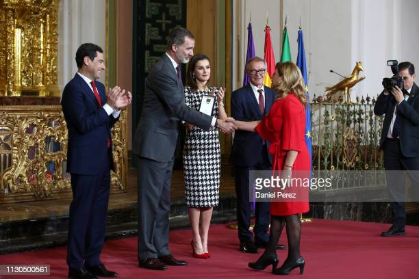 Loli Arjona niece of Chiquito de la Calzada receives the Gold Medal of Merit in Fine Arts 2017 from King Felipe VI of Spain and Queen Letizia of...