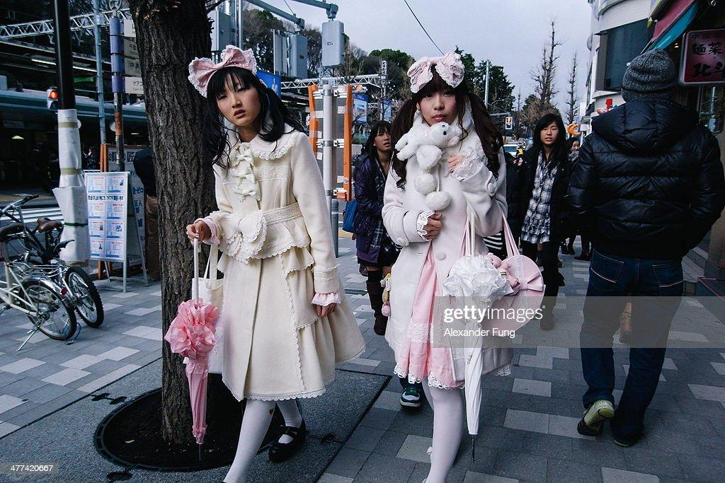 Two Sweet Lolita girls walking in Harajuku, Tokyo : News Photo