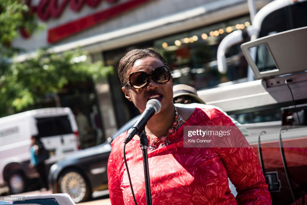 Make Music Day New York: Ella Fitzgerald Piano Bar Throughout Historic Harlem : News Photo