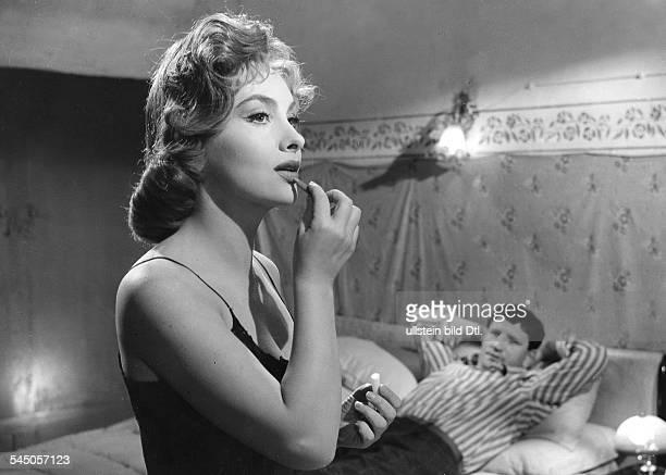 Lollobrigida Gina Actress Photojournalist Italy * Scene from the movie 'La romana'' Directed by Luigi Zampa Italy / France 1954 Vintage property of...