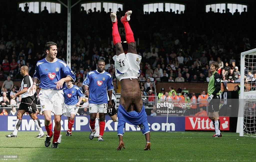 Fulham v Portsmouth : News Photo