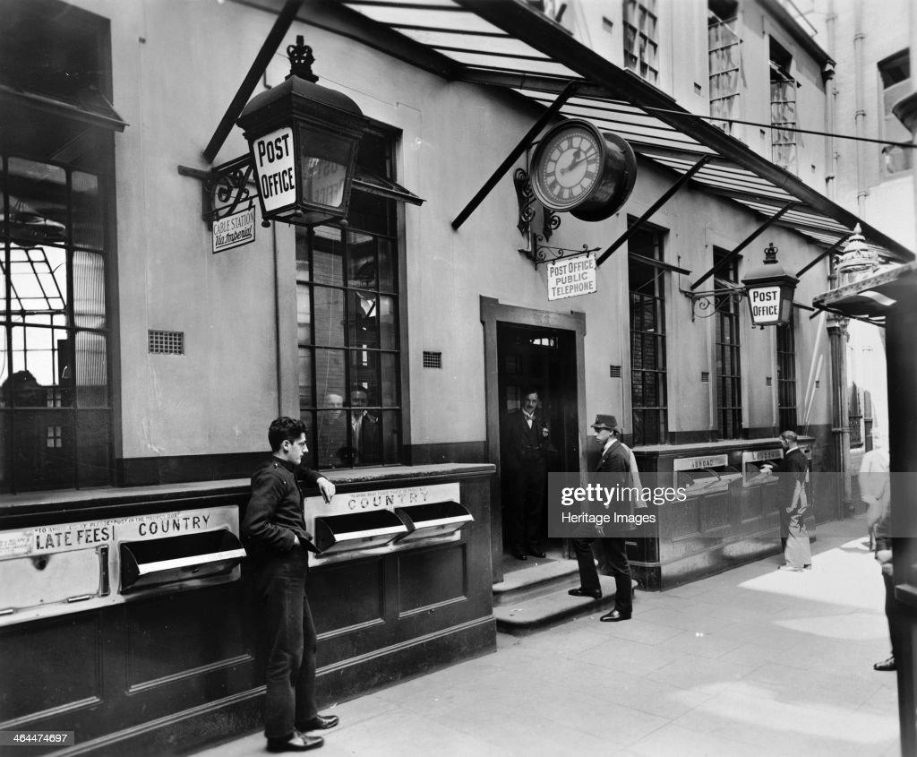 Lombard Street Post Office, City of London, c late 19th-early 20th century. Artist: George Davison Reid : News Photo