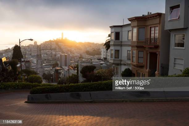 lombard street, san francisco california - lombard street san francisco stock pictures, royalty-free photos & images