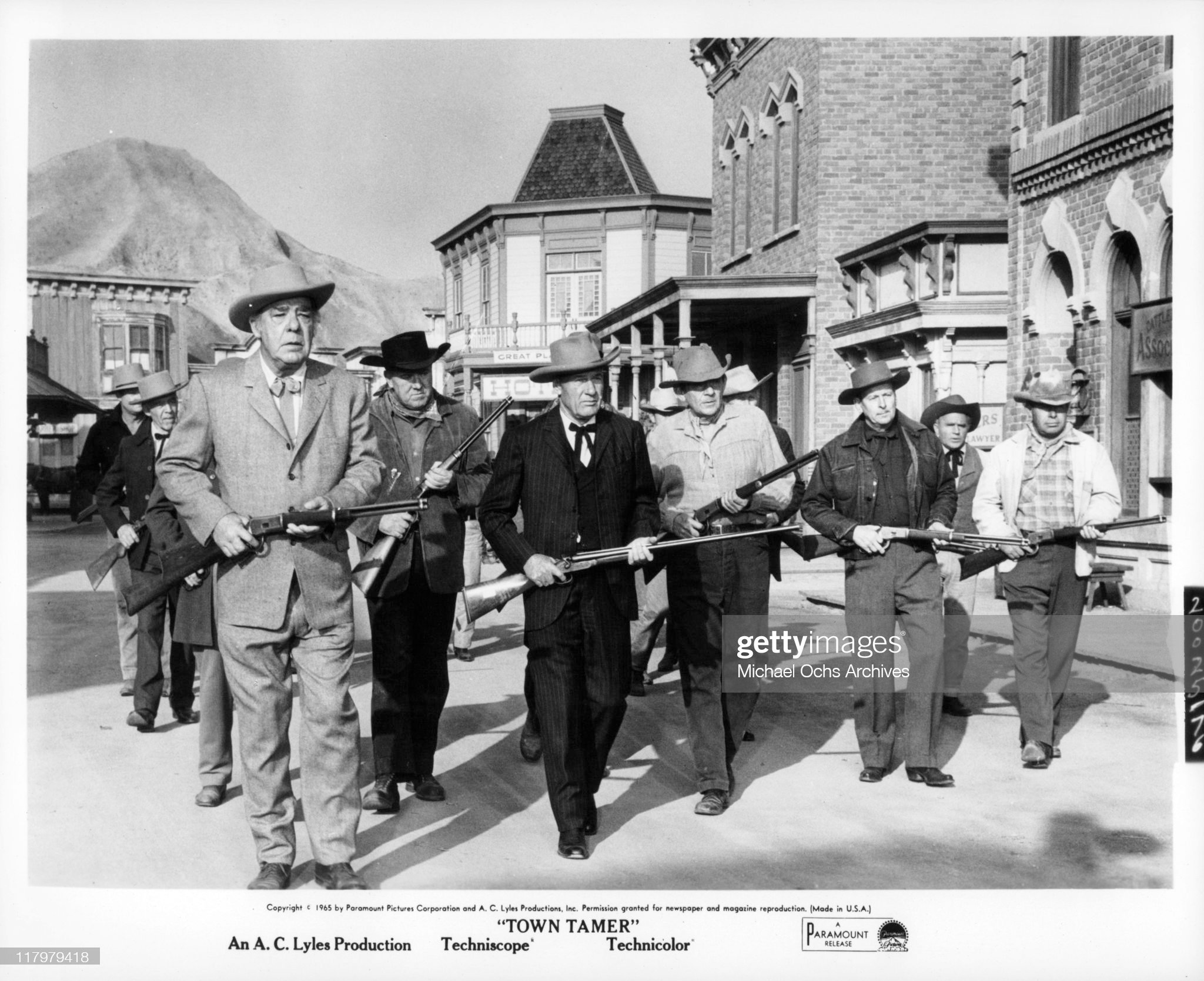 Lon Chaney;Richard Arlen In 'The Town Tamer' : News Photo