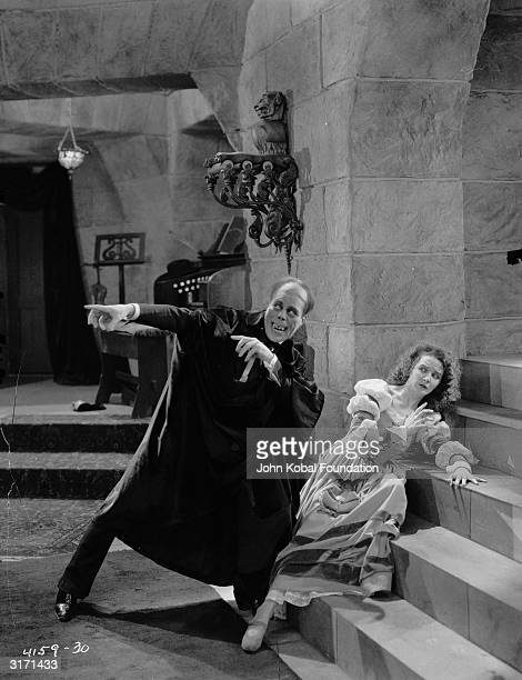 Lon Chaney as Erik the 'Phantom' terrifies Mary Philbin as Christine Daae in a scene from the film 'Phantom of the Opera' directed by Rupert Julian...