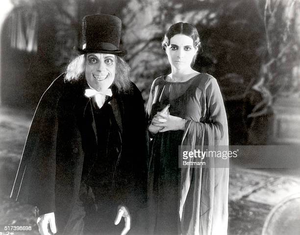 Lon Chaney is the vampire and Edna Tichenor is Luna the Bat Girl in the 1927 film London After Midnight The only known copy of the film was destroyed...
