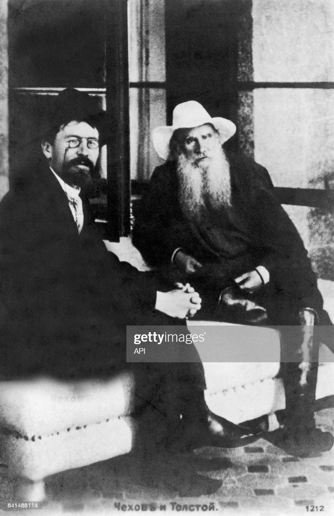 Léon Tolstoï et Anton Pavlovich Tchekhov : News Photo