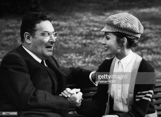 Léon Zitrone interview Claudine Coster à Paris le 31 mai 1967 France