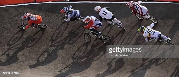 Londen Olympics / BMX Cycling : Mens Final Raymon VAN DER BIEZEN / Liam PHILLIPS / Quentin CALEYRON / Crash Chute Val / Conner FIELDS / Edzus...