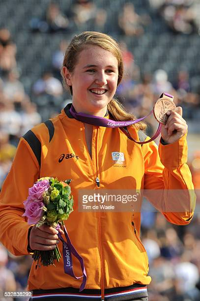 Londen Olympics / BMX Cycling : Womens Final Podium / Laura SMULDERS Bronze Medal Celebration Joie Vreugde / BMX Track Piste / Femmes Vrouwen /...