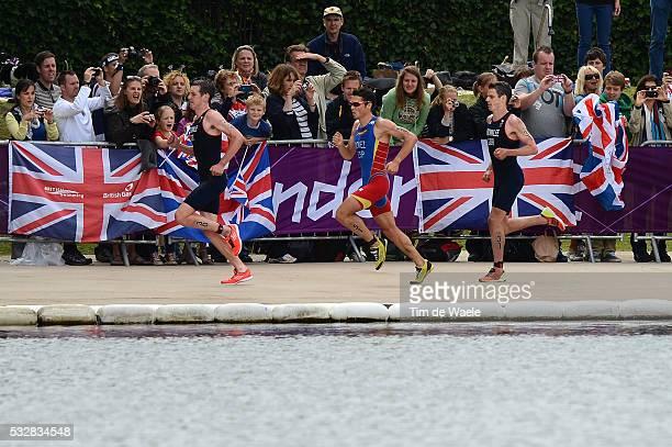 Londen Olympics / Triathlon : Men Illustration Illustratie / BROWNLEE Alistair / GOMEZ Javier / BROWNLEE Jonathan / Fans Supporters Public Publiek...