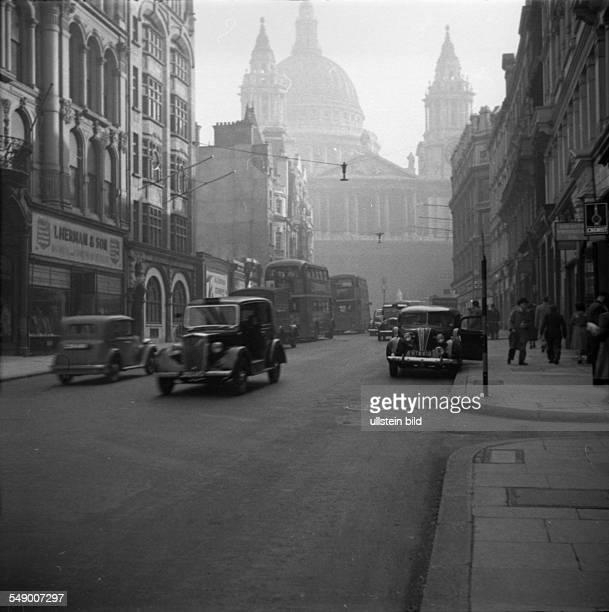GBR London 19521001 Bank of England Historische Stadtaufnahmen von London