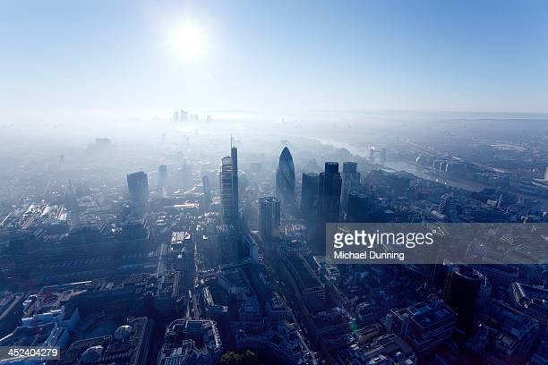 london aerial view at dawn - horizon over land stockfoto's en -beelden