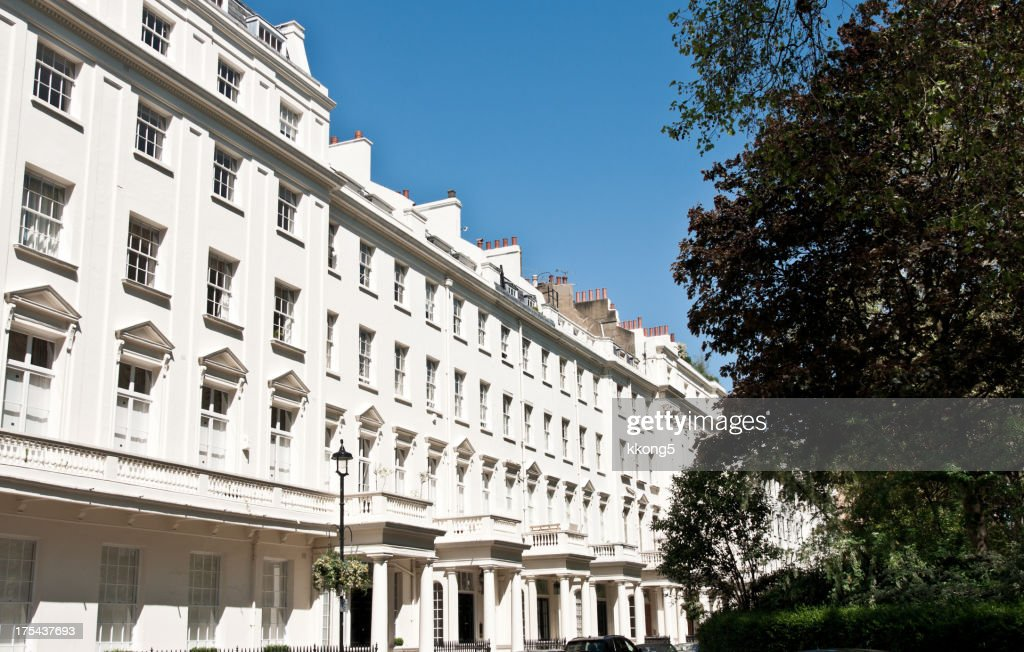 London Architecture Classic White Buildings In Leafy Courtyard Stock Photo
