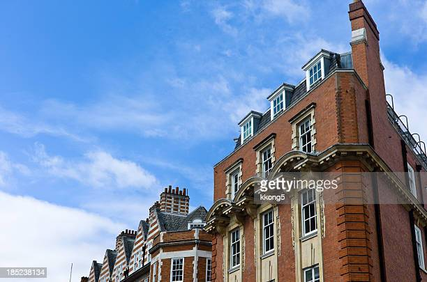 London Architecture: Mayfair Classic Fassade in Sunny Afternoon
