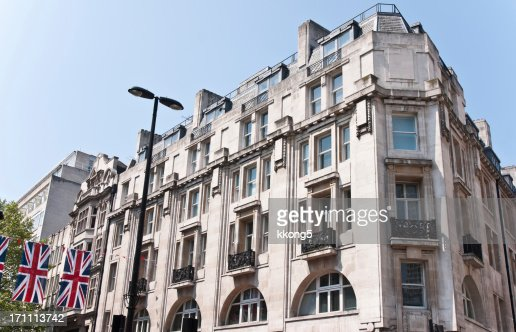 London Architecture Mayfair Classic Fassade In Sunny Afternoon