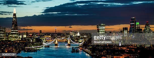 Vista panorámica de Londres en la noche
