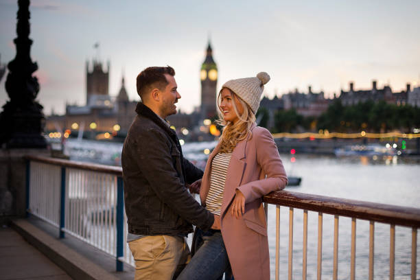 london at night - couples romance stock pictures, royalty-free photos & images