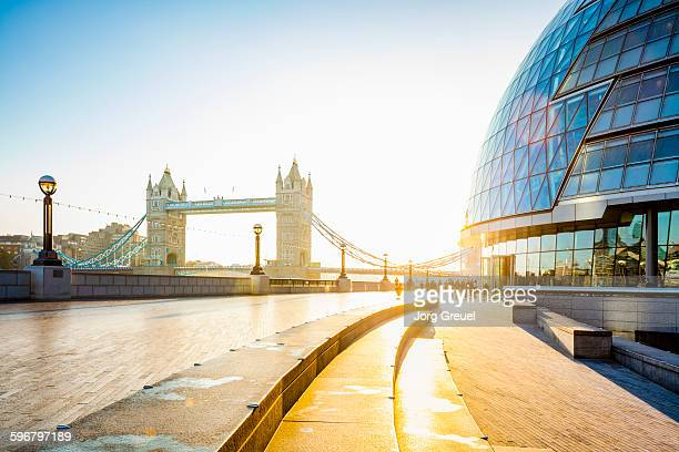 london at sunrise - guildhall london stock pictures, royalty-free photos & images