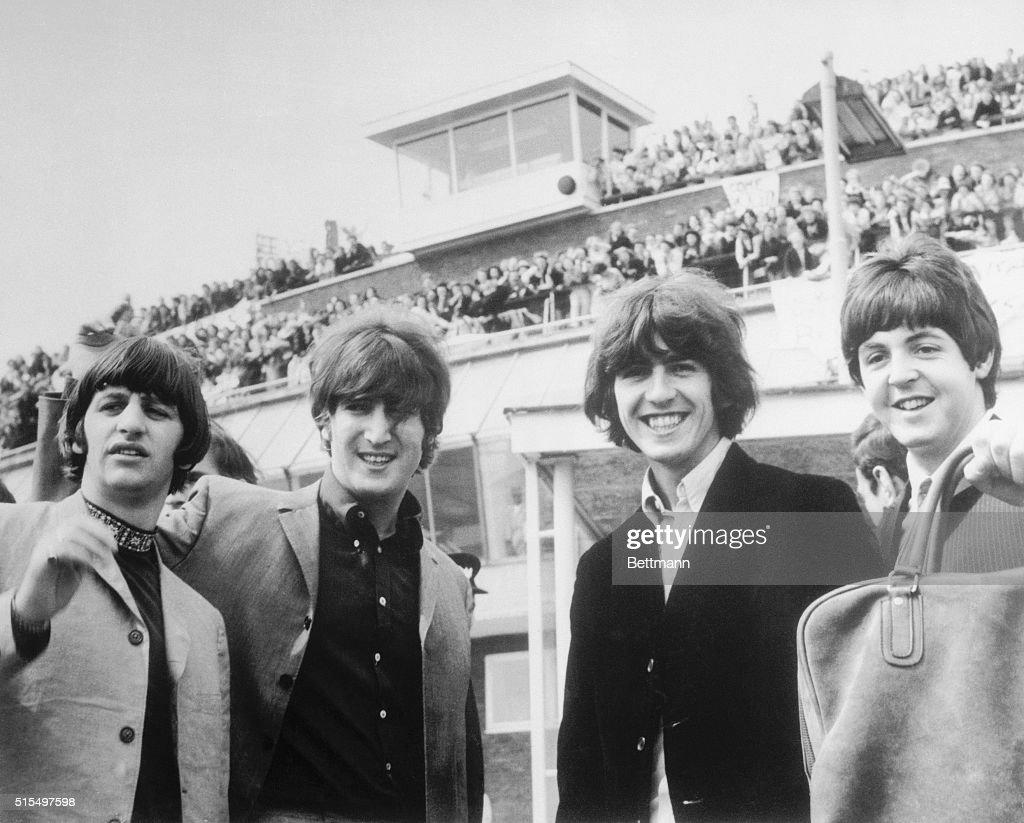 Beatles Left To Right Ringo Starr John Lennon George Harrison And