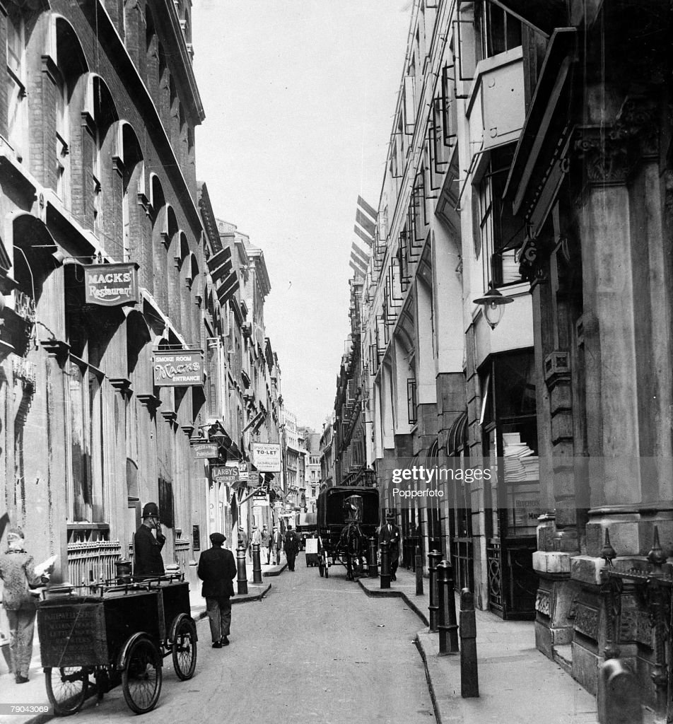 London before the 'Blitz'. England. pic: circa 1930's. The scene shows London's Paternoster Row a narrow street with buildings either side, a vast space opened up after German bombs from the 'Blitz' had destroyed many buildings in December 1940. : News Photo