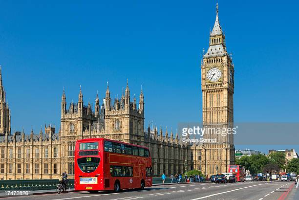 london, big ben and traffic on westminster bridge - big ben stock pictures, royalty-free photos & images