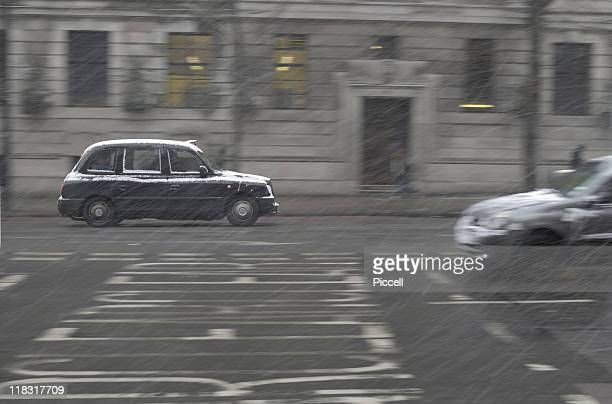 London black cab in snowfall