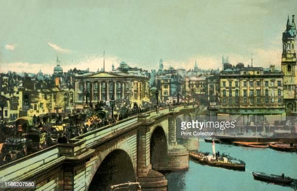London Bridge, London', circa 1910. London Bridge over the River Thames, looking towards the City from Southwark. The bridge was designed by John...