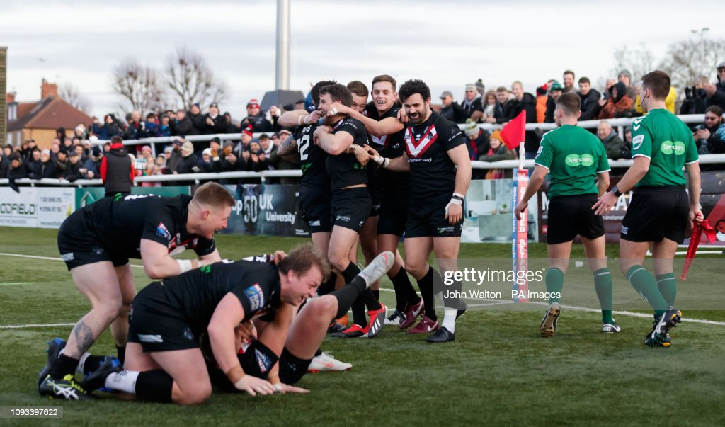 London Broncos v Wakefield Trinity - Betfred Super League - Trailfinders Sports Club : News Photo