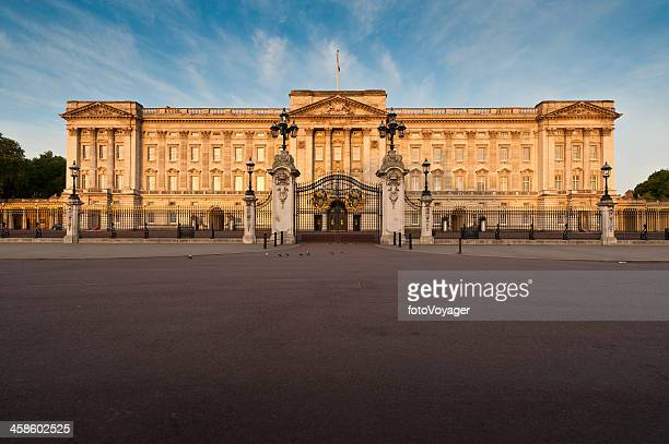 london buckingham palace sunrise the mall uk - the mall westminster stock photos and pictures