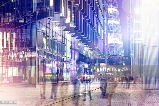 london businessmen at night - city stock pictures, royalty-free photos & images