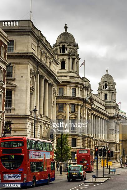 london - cabs and bus on street - pjphoto69 stock pictures, royalty-free photos & images