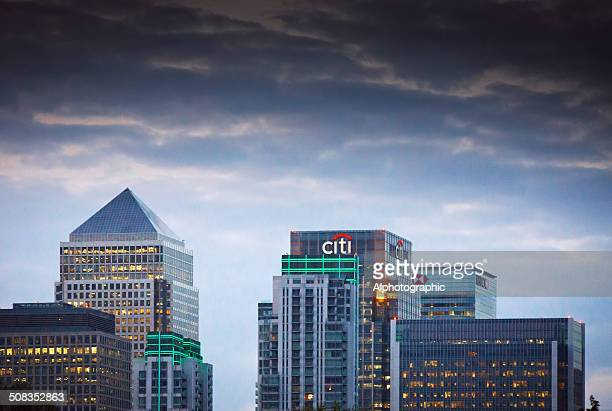london canary wharf skyline at sunset - citigroup stock pictures, royalty-free photos & images