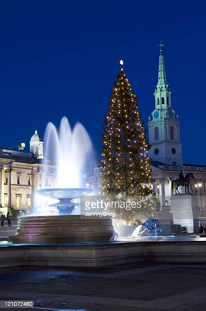 london christmas at night - trafalgar square stock pictures, royalty-free photos & images