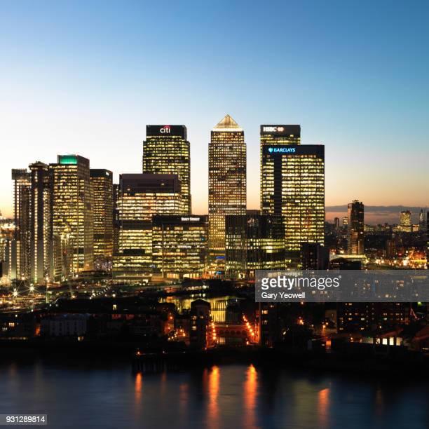 london city canary wharf skyline - yeowell foto e immagini stock