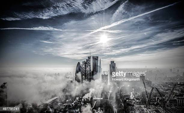 london city kooking south in fog and sunshine - downtown stock pictures, royalty-free photos & images