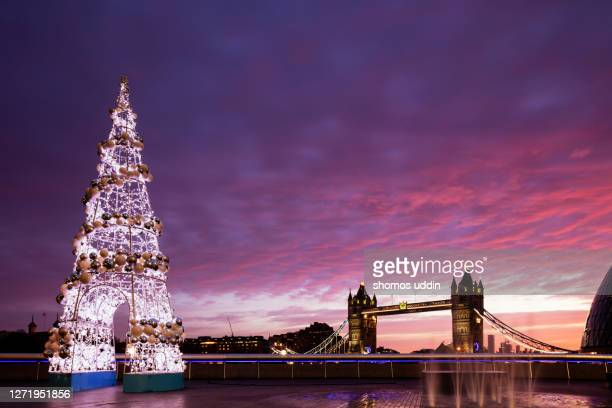 london city landmark at christmas - christmas decoration stock pictures, royalty-free photos & images