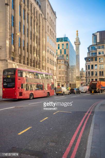 uk, london, city of london, liverpool street, financial district with monument to the great fire of london - great fire of london stock pictures, royalty-free photos & images