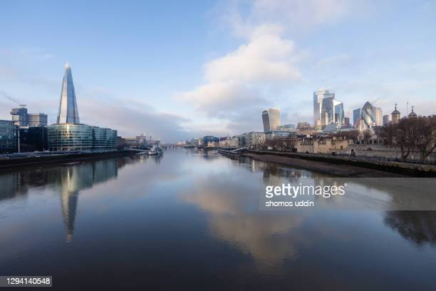 london city reflection at sunrise - morning stock pictures, royalty-free photos & images