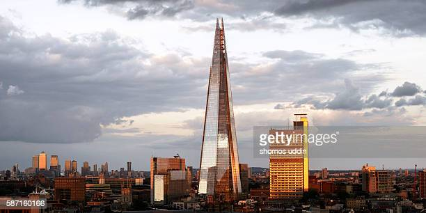 london city skyline at sunset - shard london bridge stock pictures, royalty-free photos & images