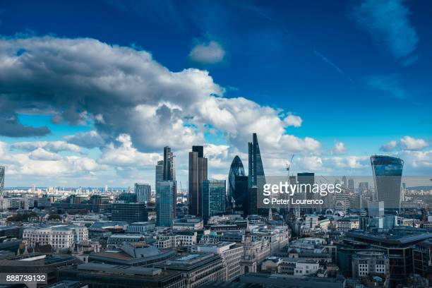 london city skyline, looking east. - peter lourenco stock pictures, royalty-free photos & images