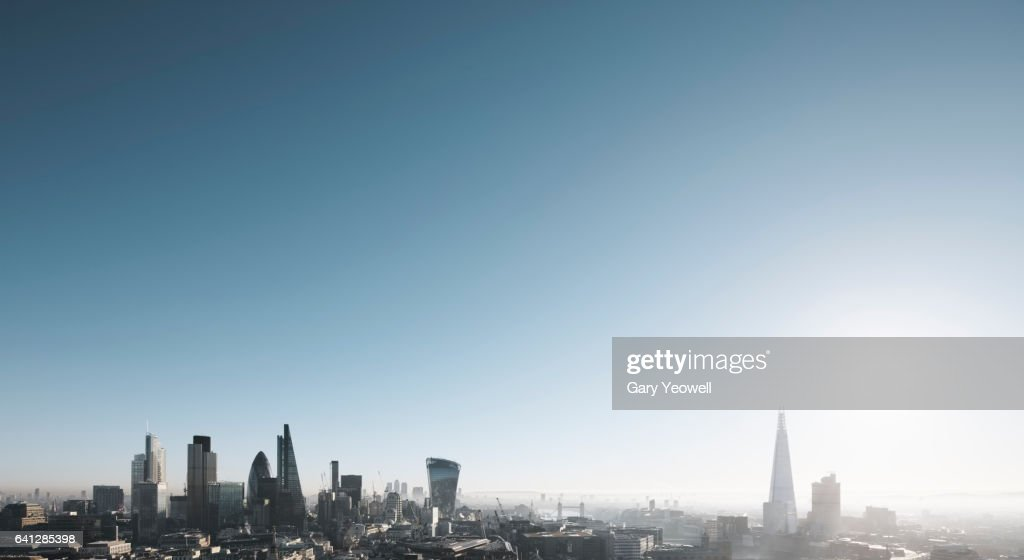 London city skyline on a misty morning : Stock-Foto