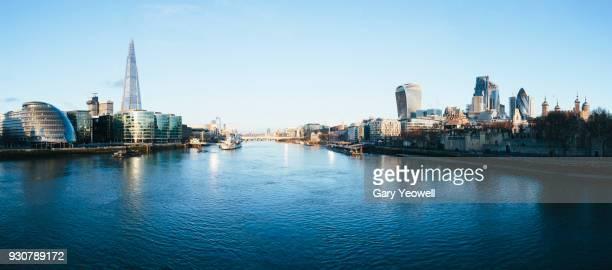 london city skyline - theems stockfoto's en -beelden