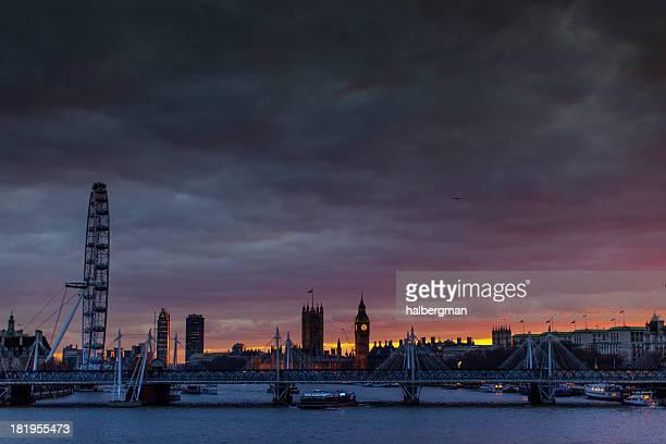 テムズ川、ロンドンの街並み