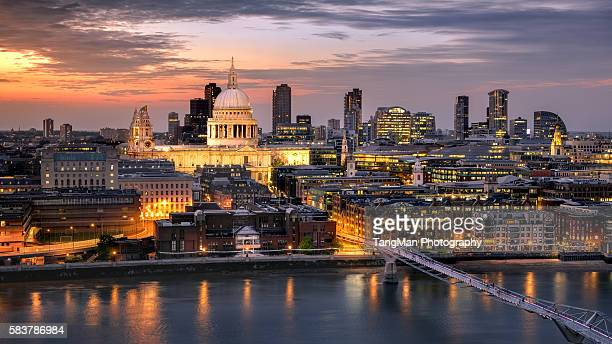 london cityscape and st. paul's cathedral - greenwich london stock pictures, royalty-free photos & images