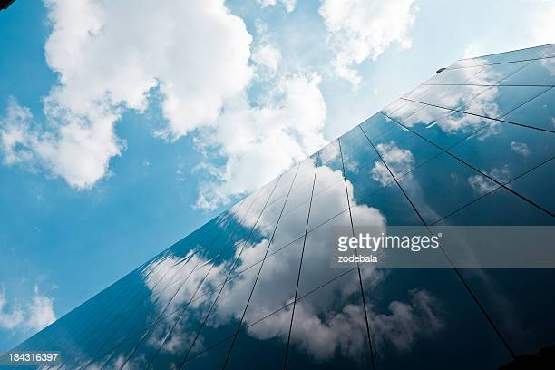 london corporate buildings - cloud sky stock pictures, royalty-free photos & images