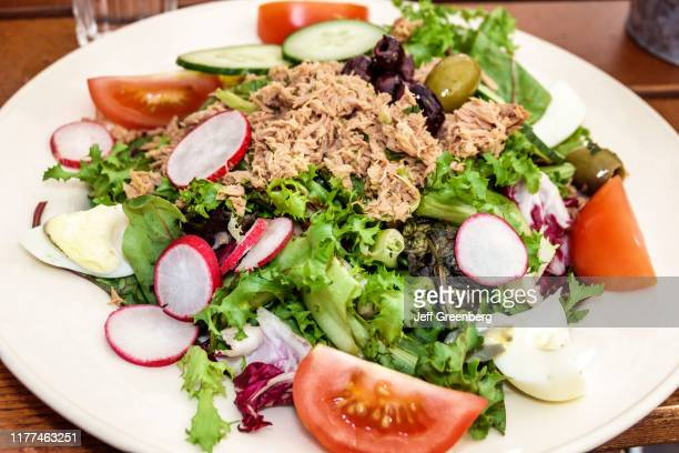London Covent Garden market Le Pain Quotidian tuna salad plate